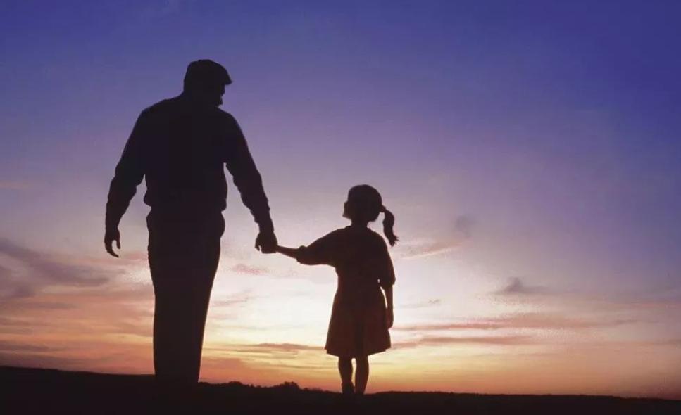 """才发现,父母和子女的缘分,其实是一次次""""目送"""""""